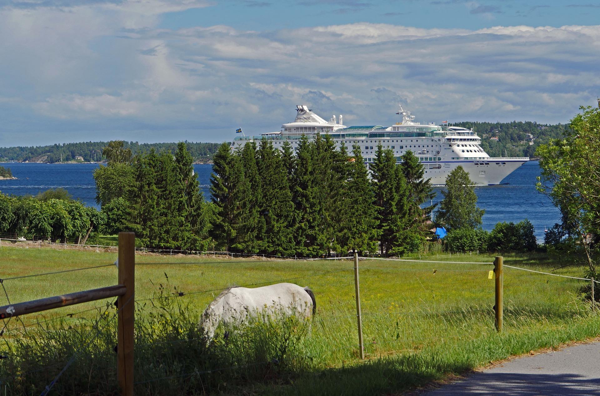 Tradewind Voyages Golden Horizon Ship